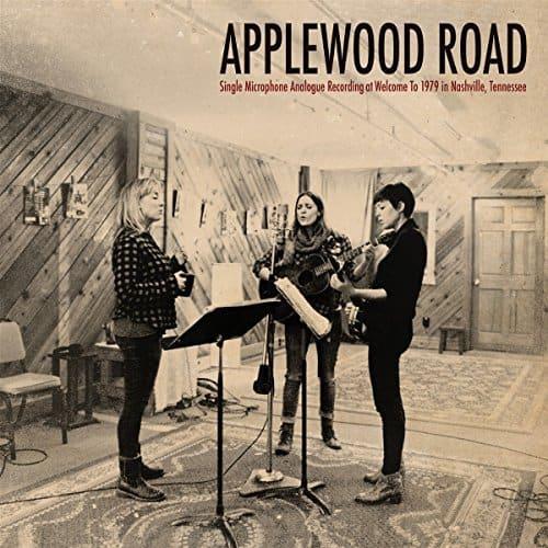 Applewood-Road-0